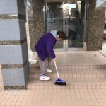 マンション、アパートの定期清掃作業風景1